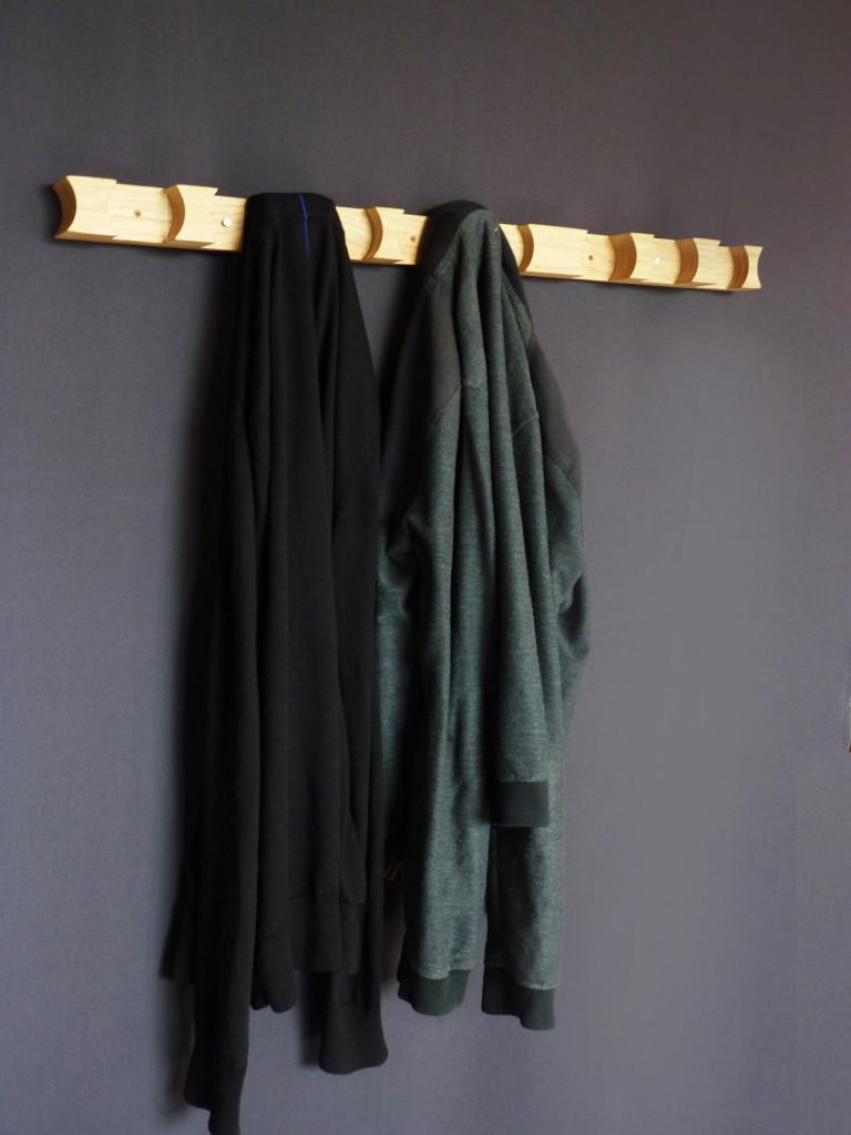 cloak-coathanger-jelmer-wind7